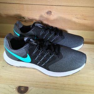 Nike womens Run Swift